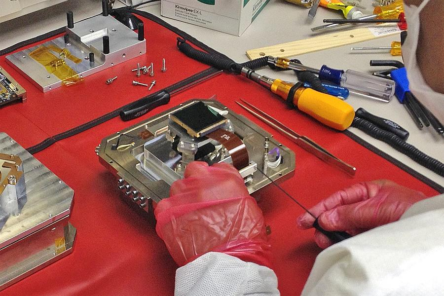 Upgraded MOIRCS Instrument Achieves New Year's Resolution - Better Images Figure2