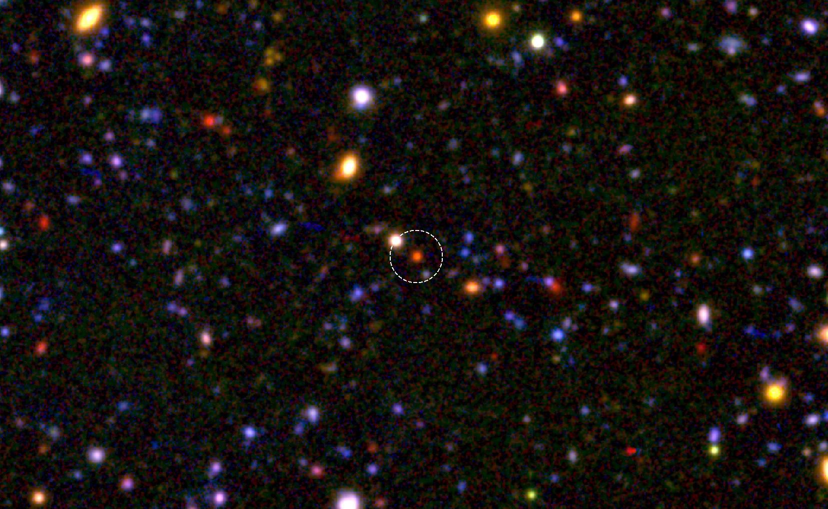 巨大銀河の核は 120 億年前にはすでにできていた 図